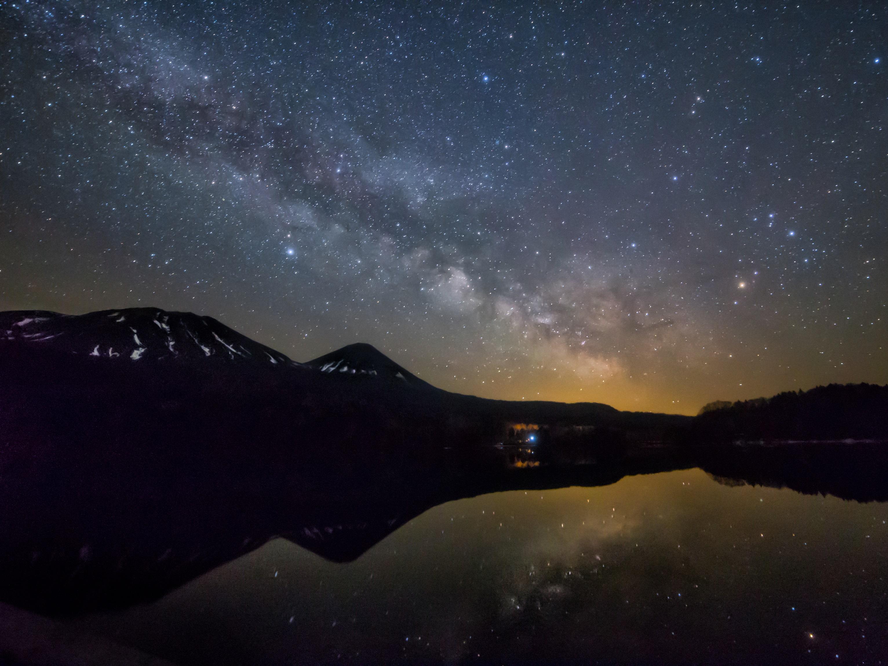 晴れた夜には満天の星空ショーが繰り広げられる。