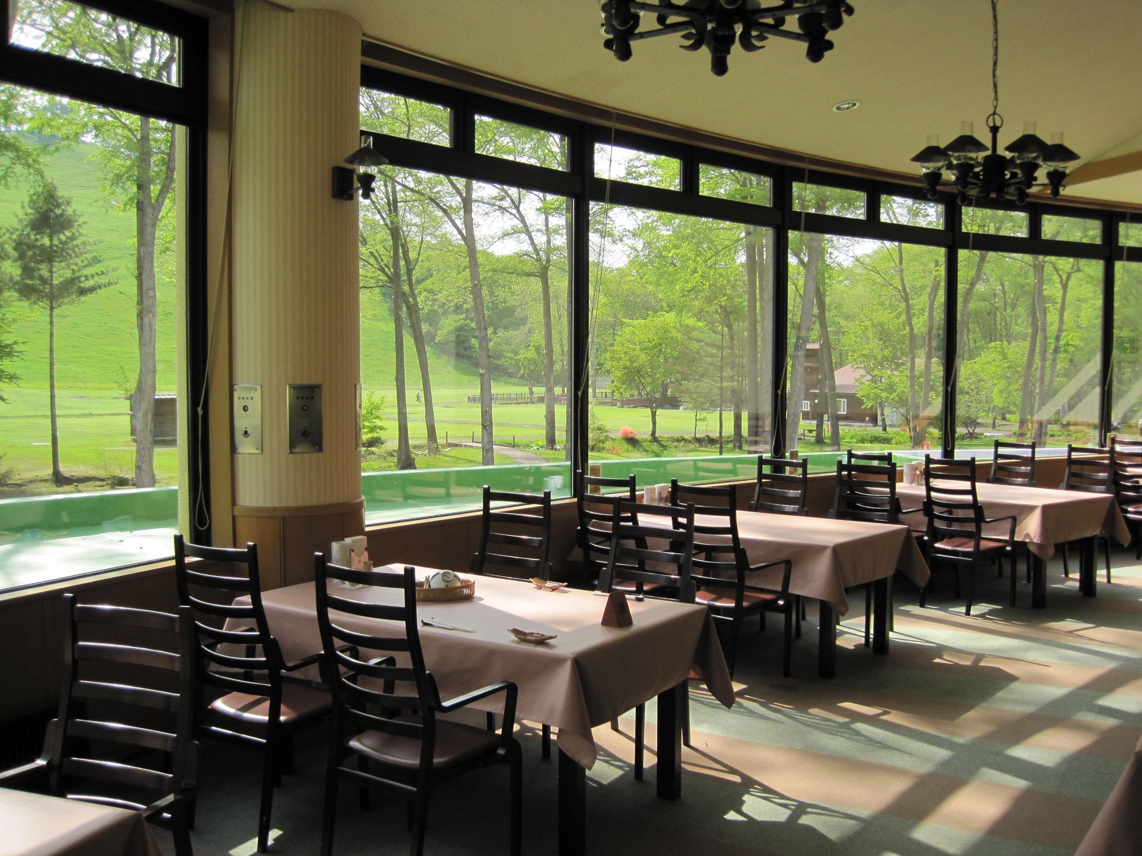 新嵐山荘のレストラン