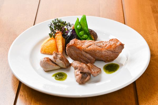 めん羊牧場直営レストランだけに羊の美味しさを堪能できる。