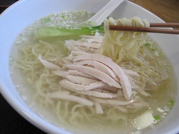 中国菜館 翡翠樓 鶏絲湯麺(ヂィスータンメン)
